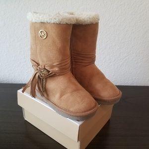Michael Kors girl faux fur boots